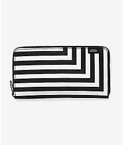 Zip-Around Wallet in Signature Zig Zag