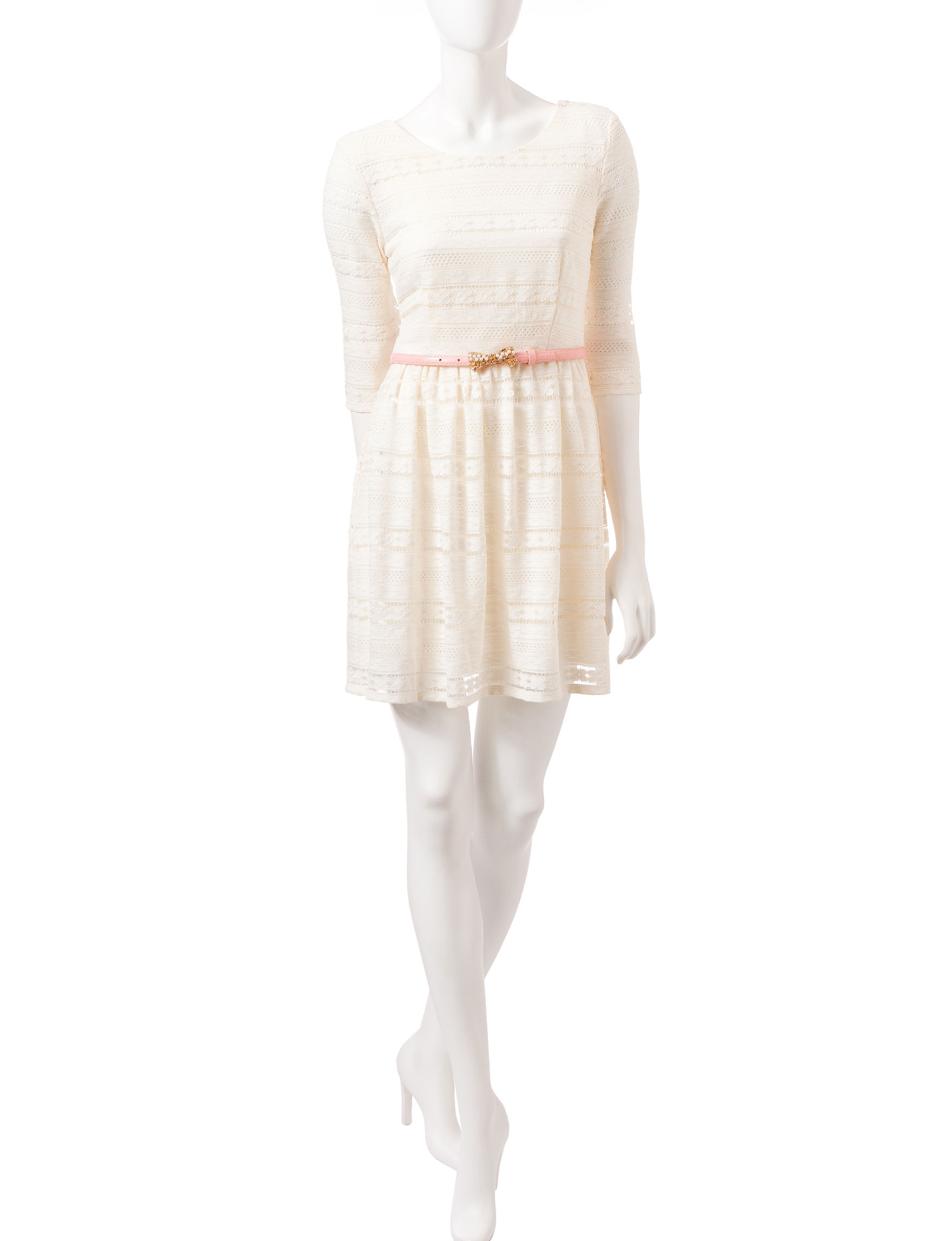City Triangles Ivory Everyday & Casual Shift Dresses