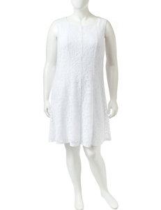 Connected Plus-size White Lace Shift Dress