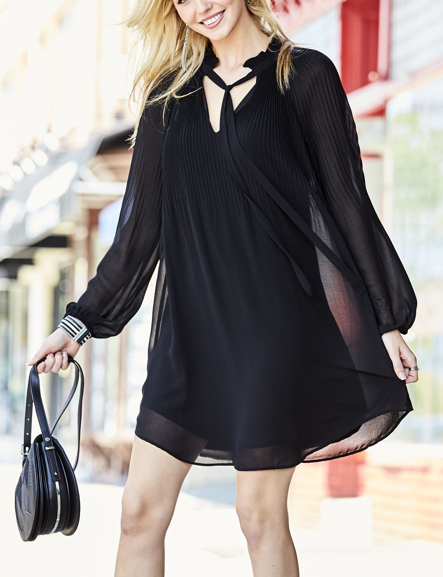 Signature Studio Black Shift Dresses