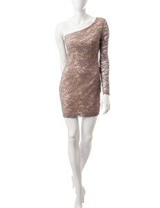 Emerald Sundae Gold Sheath Dresses