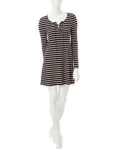 Signature Studio Black & White Stripe Print  Dress