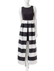 Sangria Black & White Split Skirt Dress