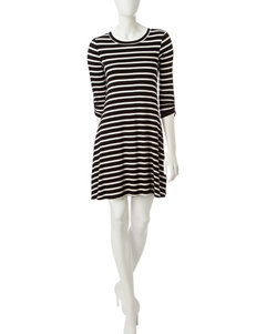 A. Byer Black / White Everyday & Casual A-line Dresses