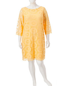London Times Plus-size Sundial Lace Shift Dress