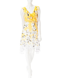 Sandra Darren Ivory / Yellow Everyday & Casual