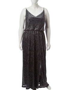 R & M Richards Plus-size Crinkle Knit Maxi Dress