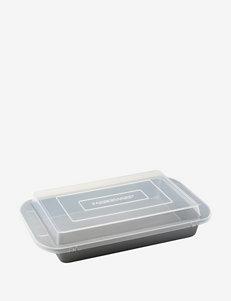 """Farberware Bakeware 9"""" x 13"""" Covered Cake Pan"""