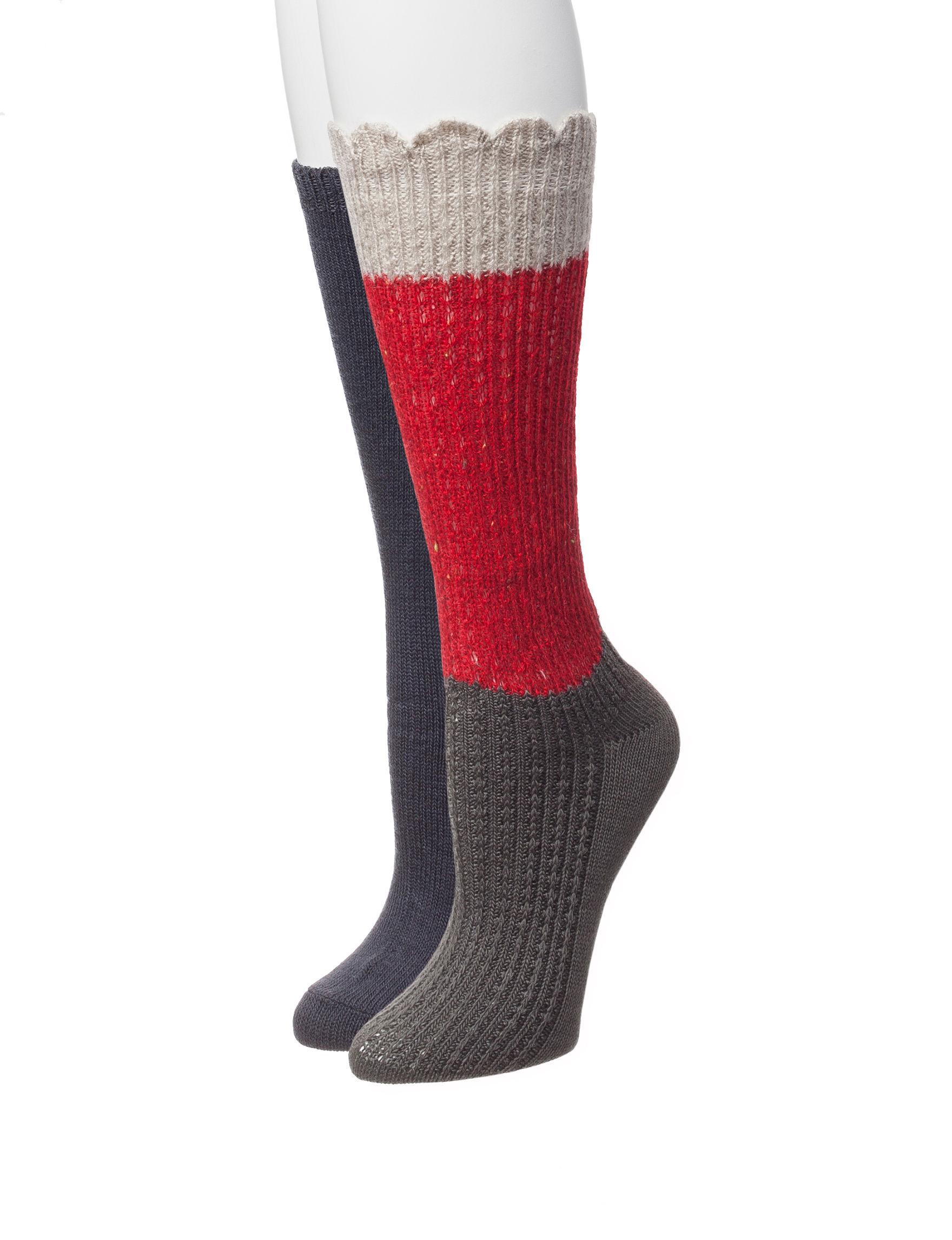 Signature Studio Red Socks