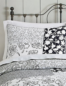 Jessica Simpson Black/ White Pillow Shams