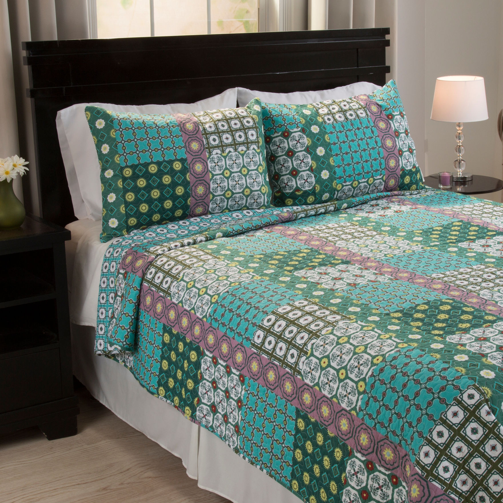 Lavish Home Rose/ Aqua/ Green Quilts & Quilt Sets