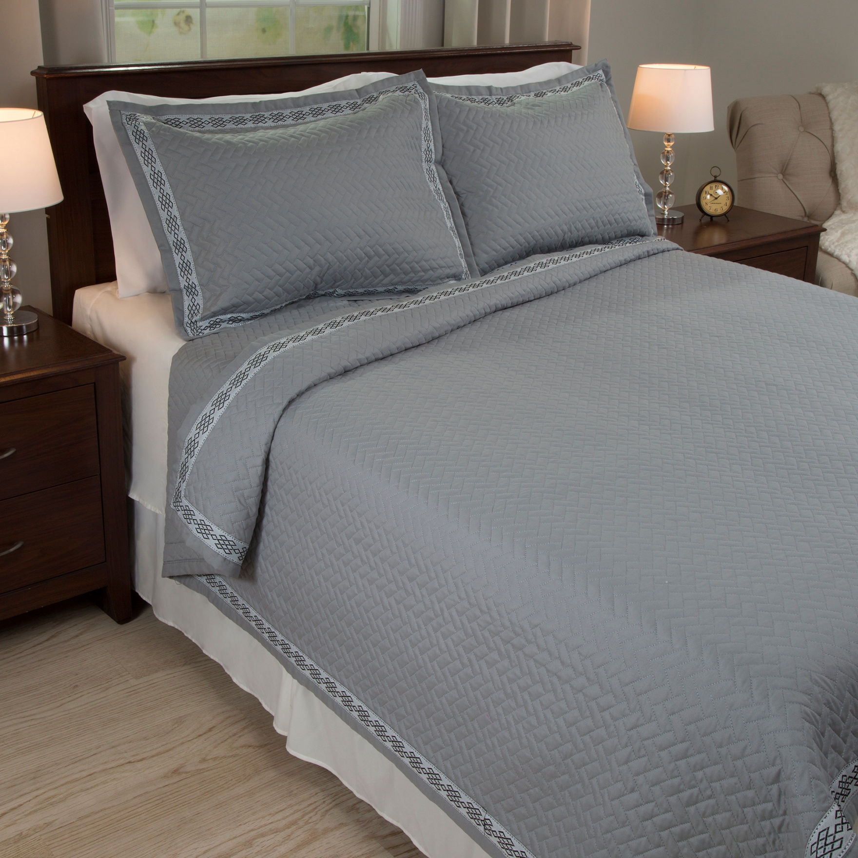 Lavish Home Grey Quilts & Quilt Sets
