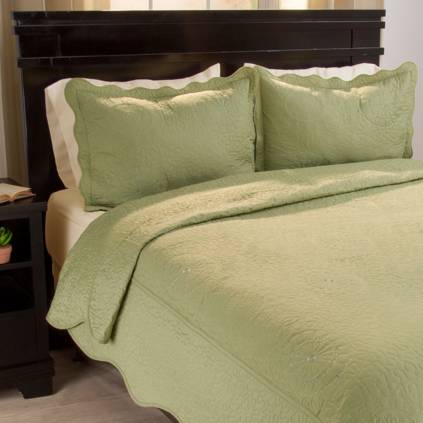 Lavish Home Sage Quilts & Quilt Sets