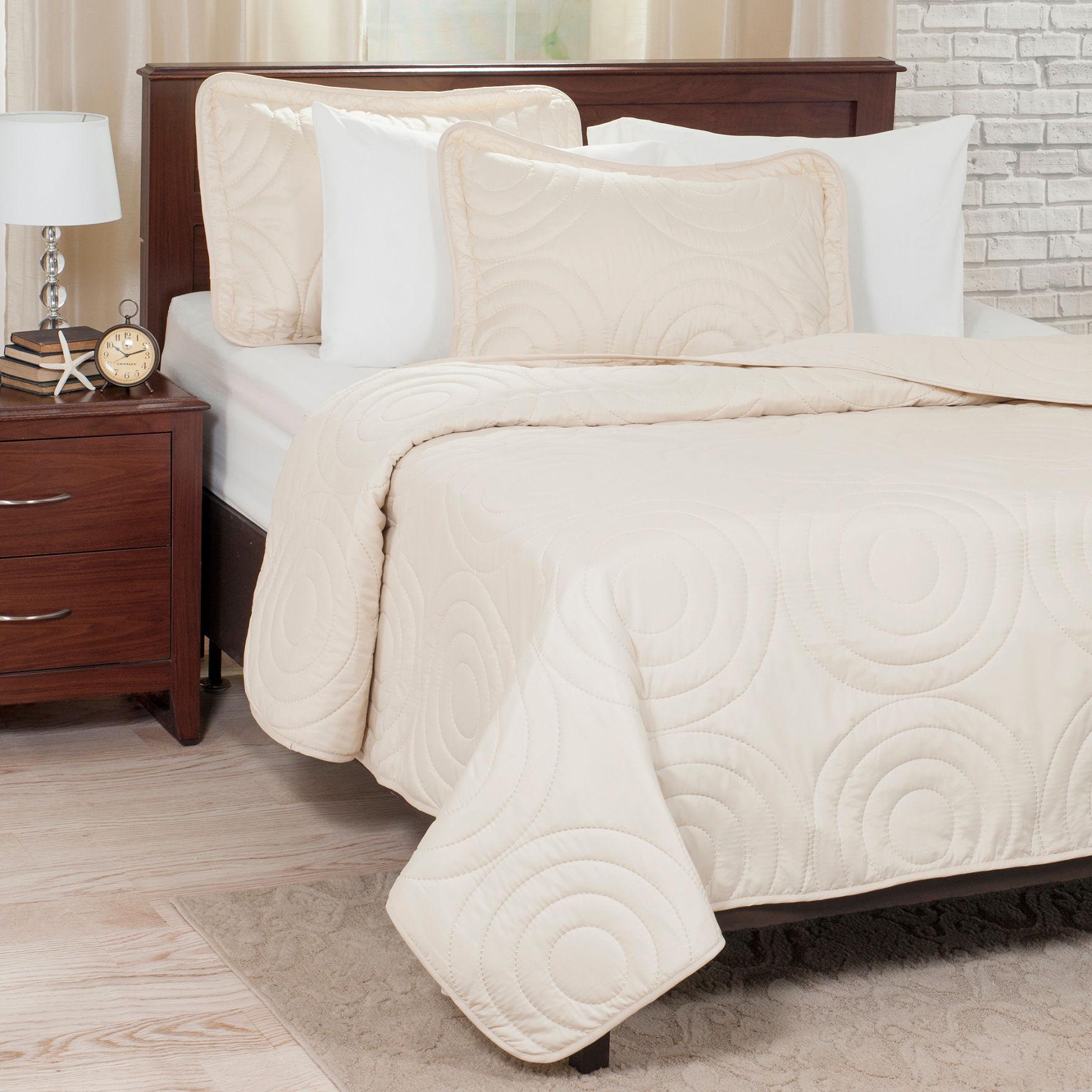 Lavish Home Ivory Quilts & Quilt Sets