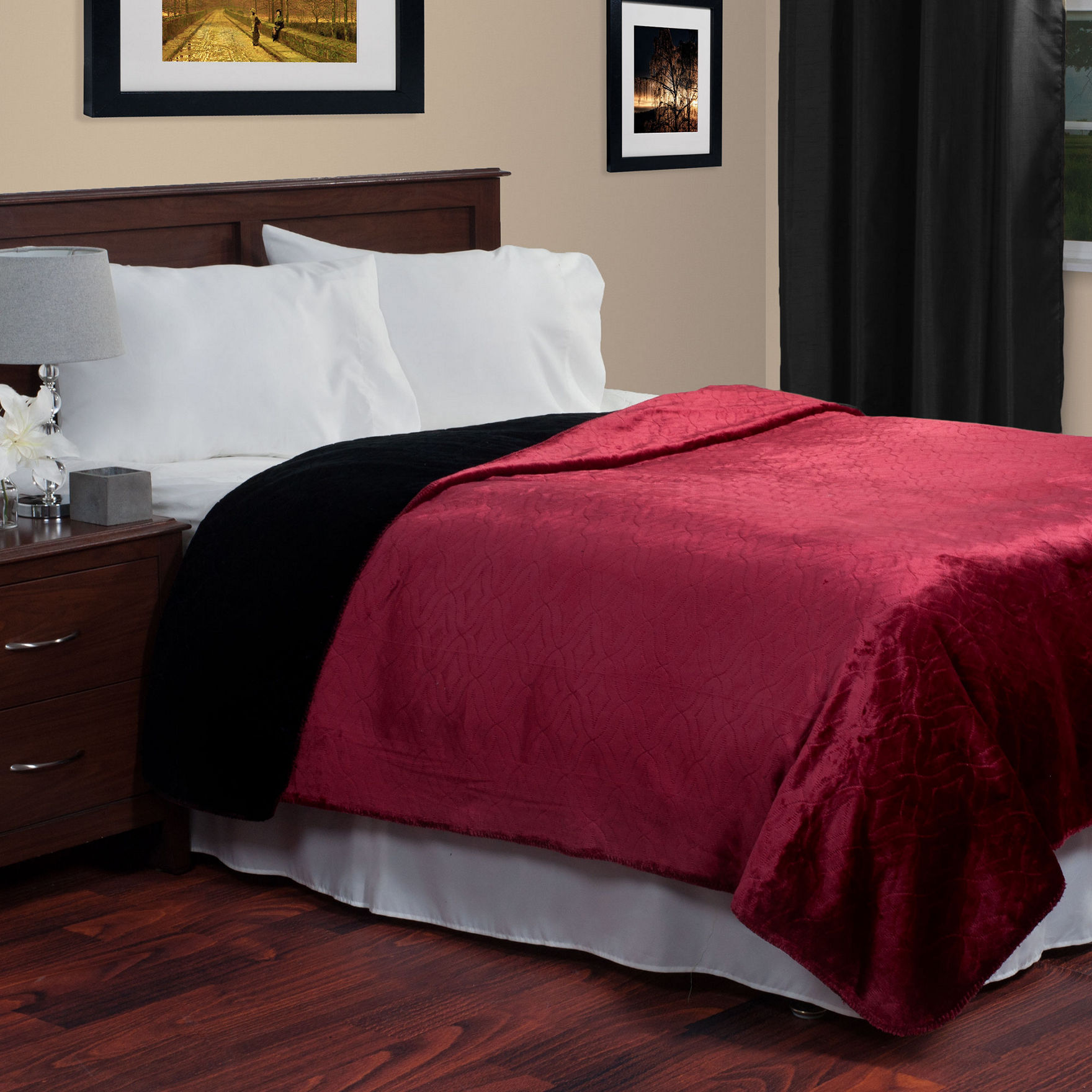 Lavish Home Red / Black Blankets & Throws