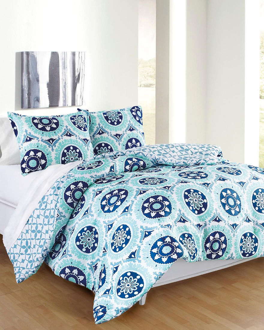Great Hotels Collection Aqua Comforters & Comforter Sets