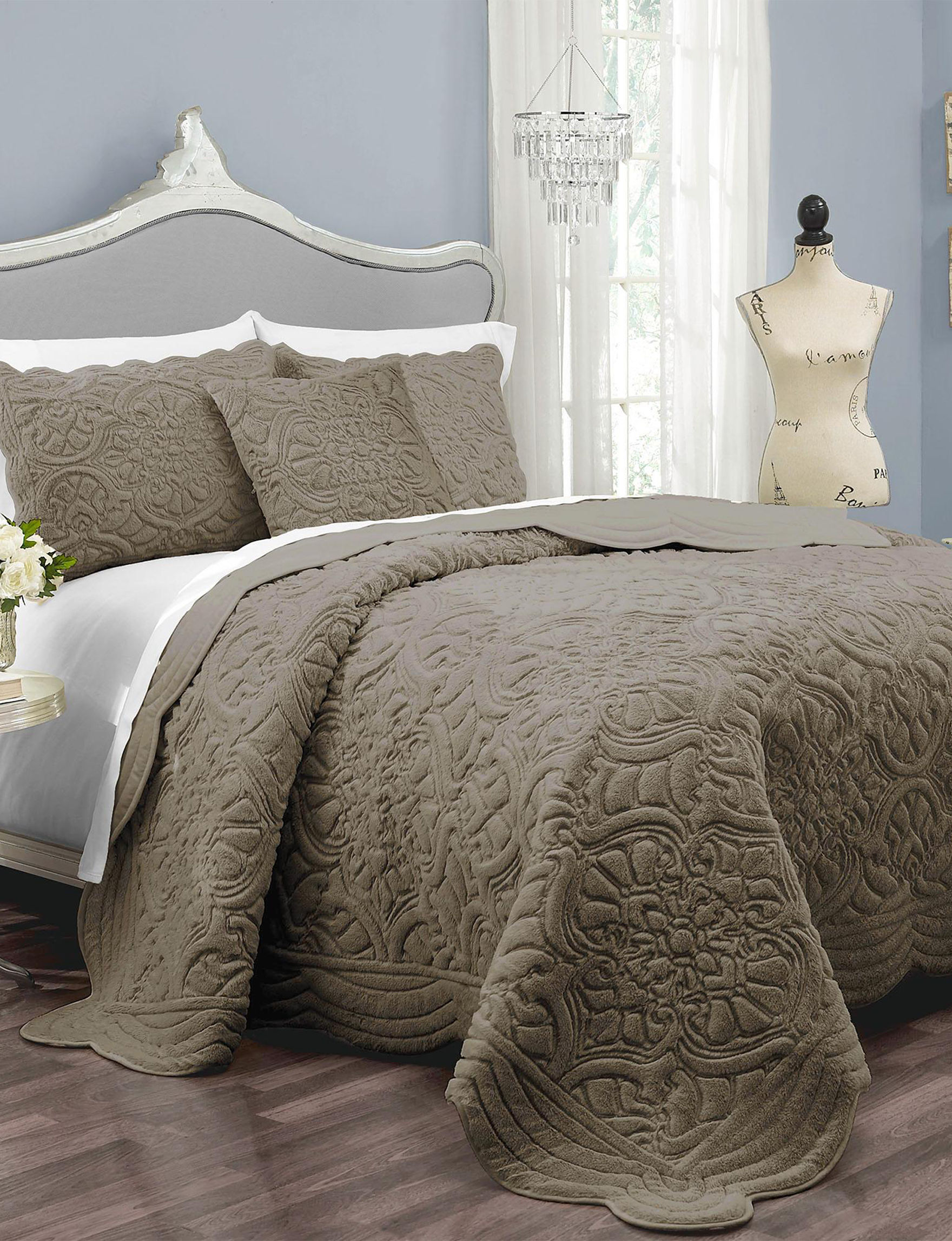 Ellery Taupe Quilts & Quilt Sets