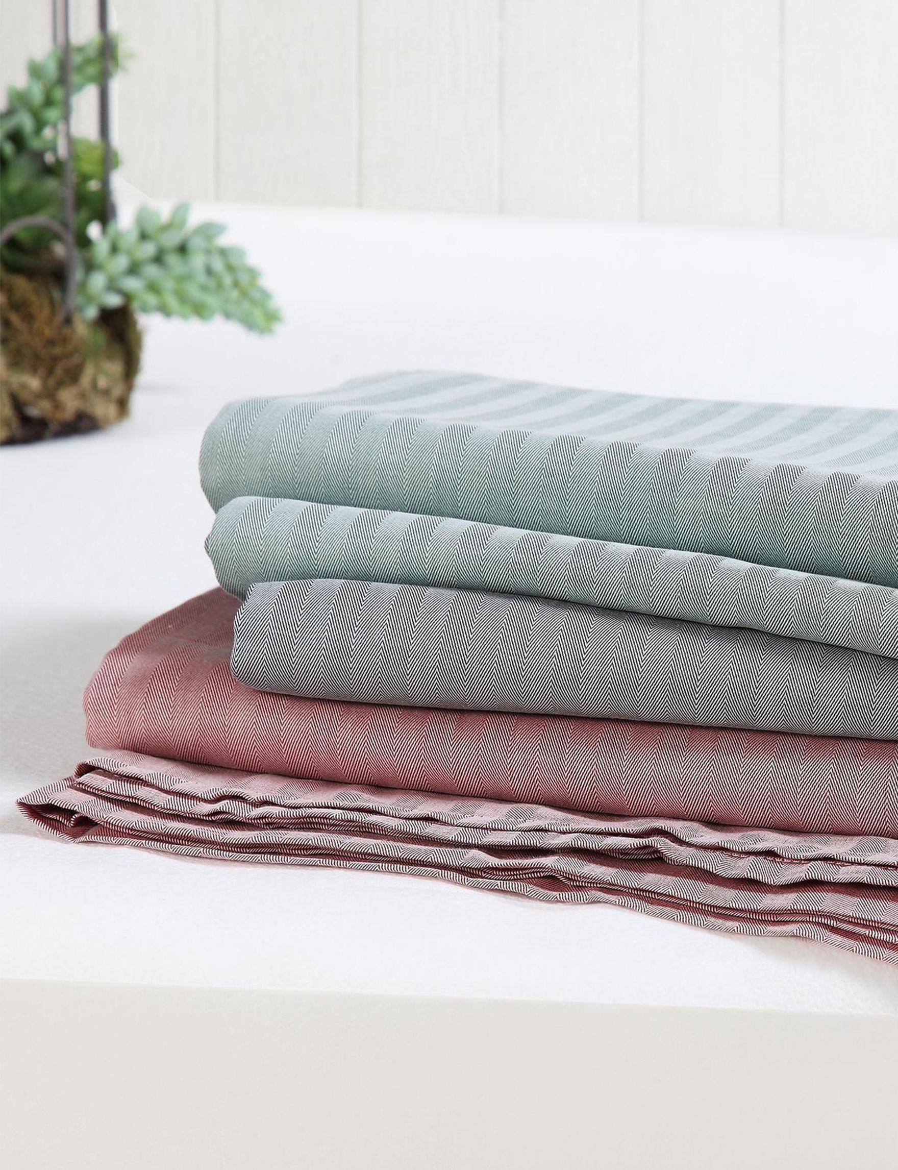 Brooklyn Loom Green Sheets & Pillowcases