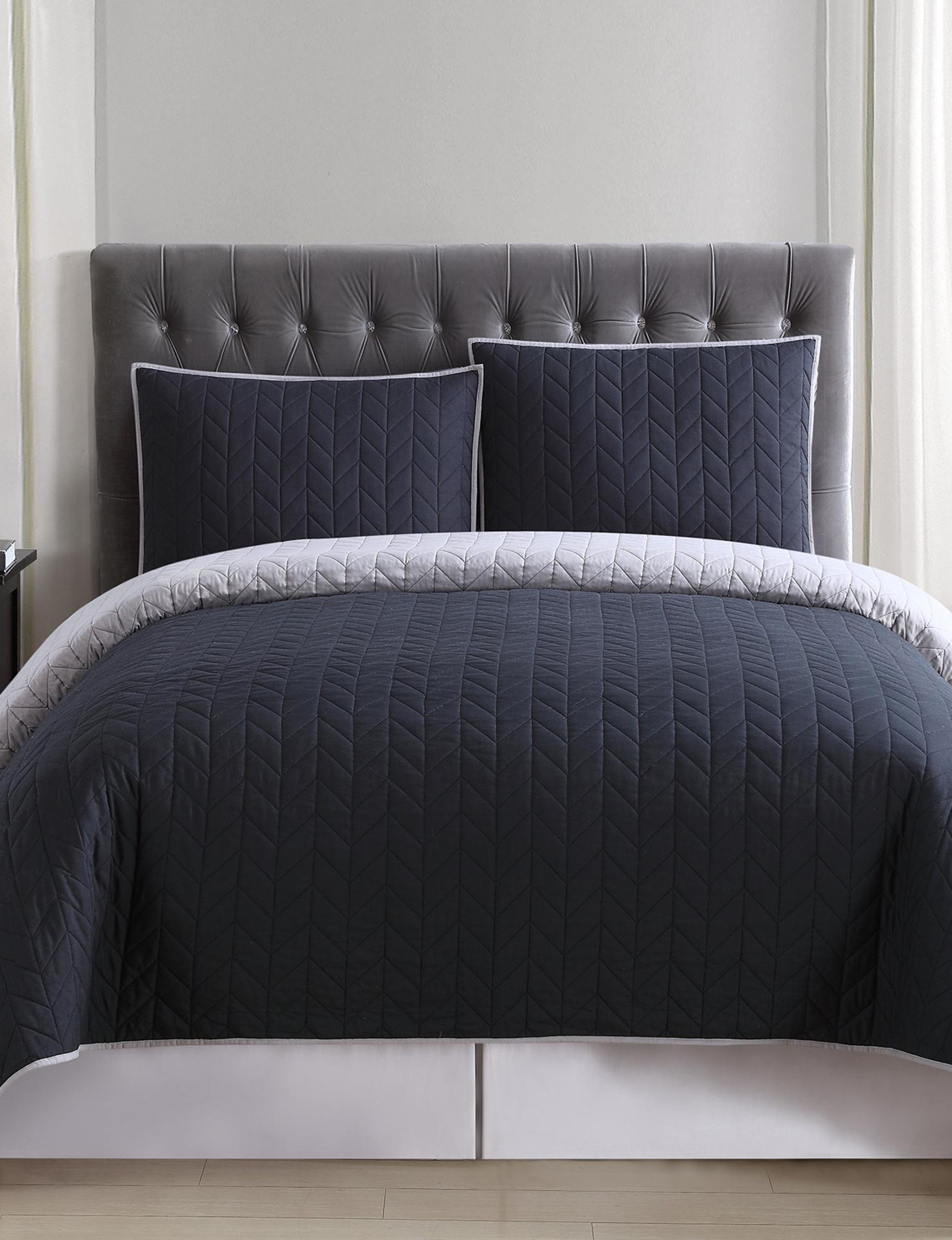 Truly Soft Black Quilts & Quilt Sets