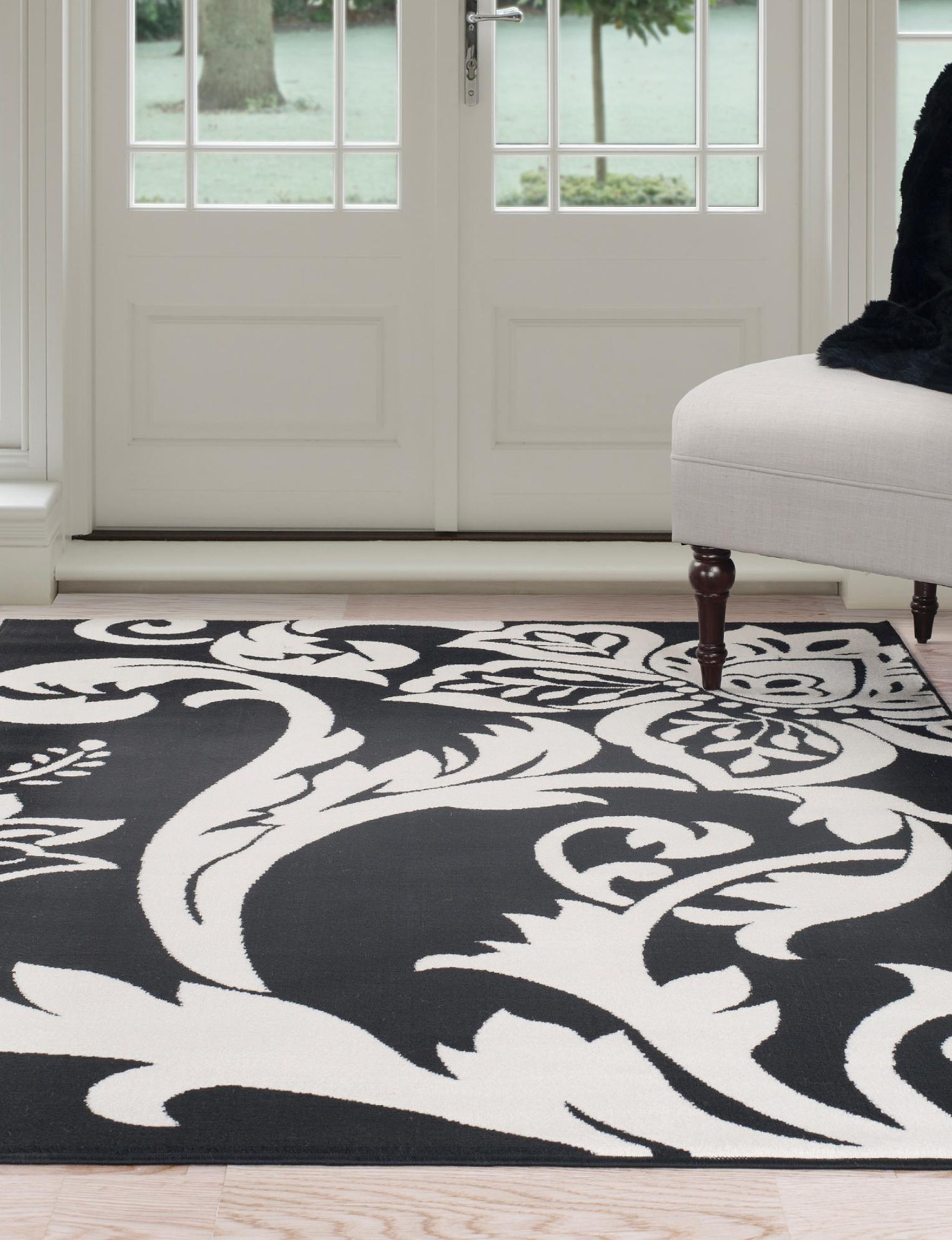 Lavish Home Black / Ivory Accent Rugs Rugs