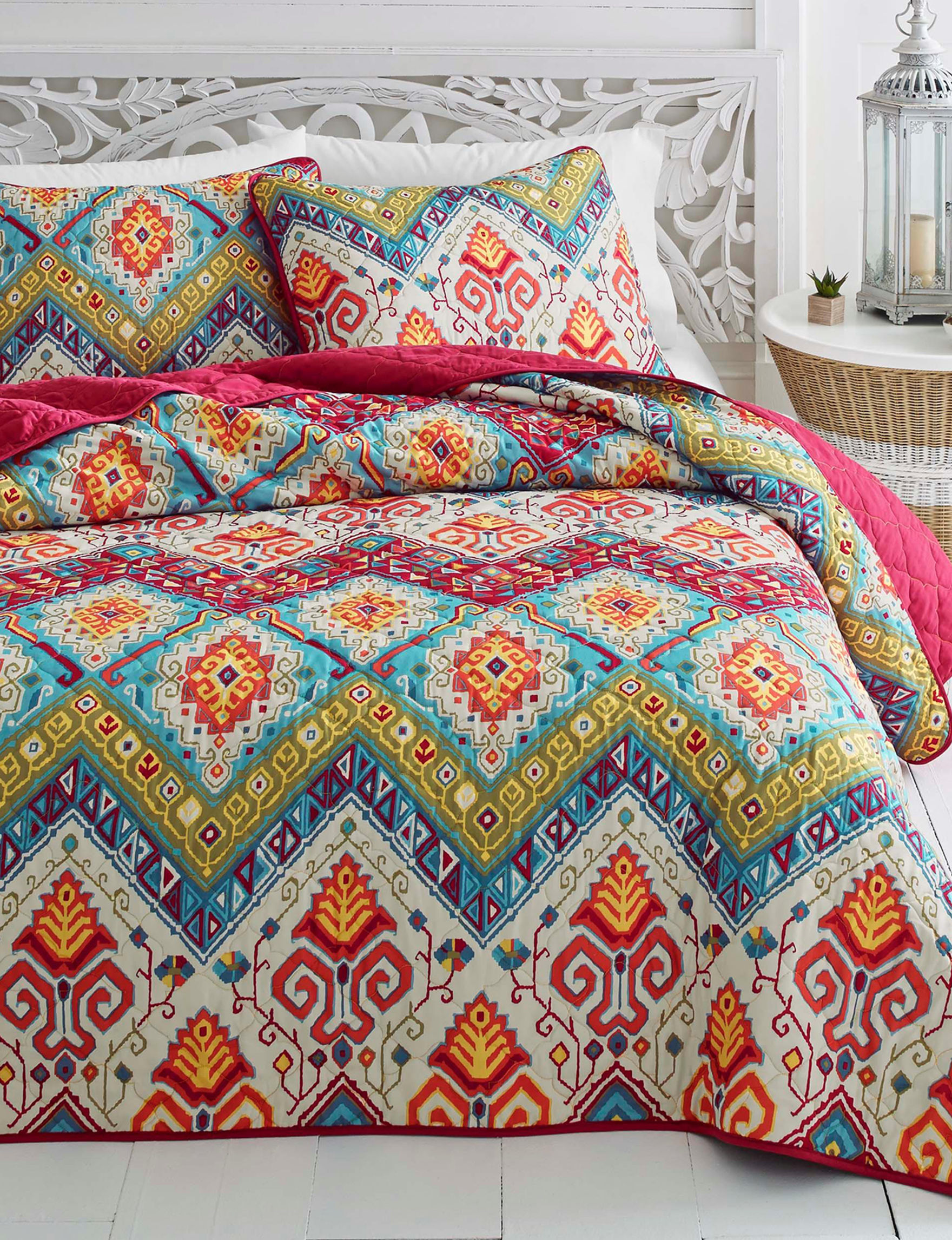 Azalea Red Multi Quilts & Quilt Sets