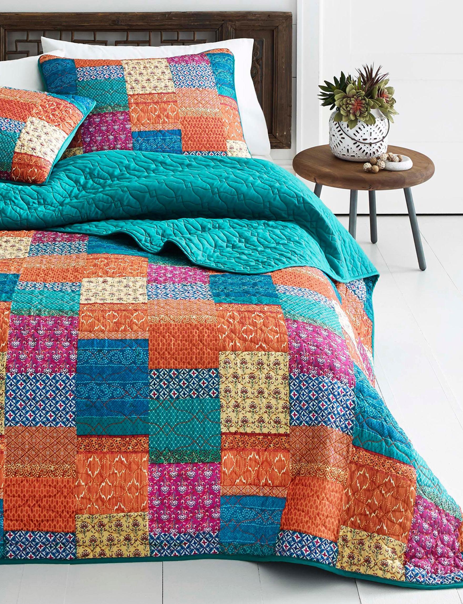 Azalea Turquoise Multi Quilts & Quilt Sets