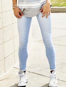 YMI Wanna Betta Butt Triple Button Skinny Jeans