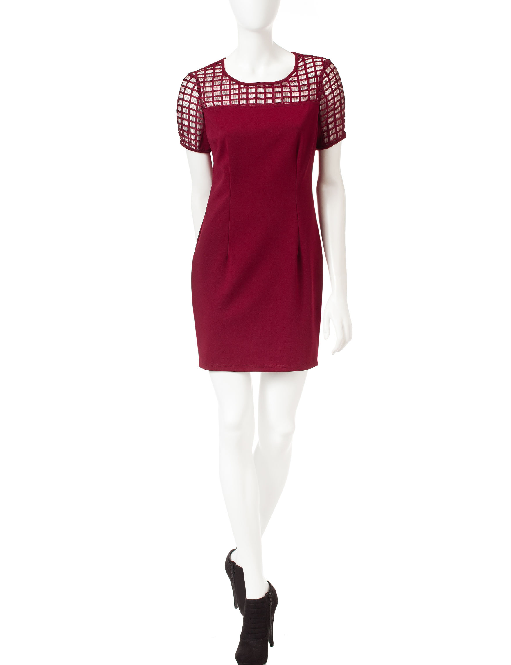 Romeo + Juliet Couture Burgundy Cocktail & Party Shift Dresses