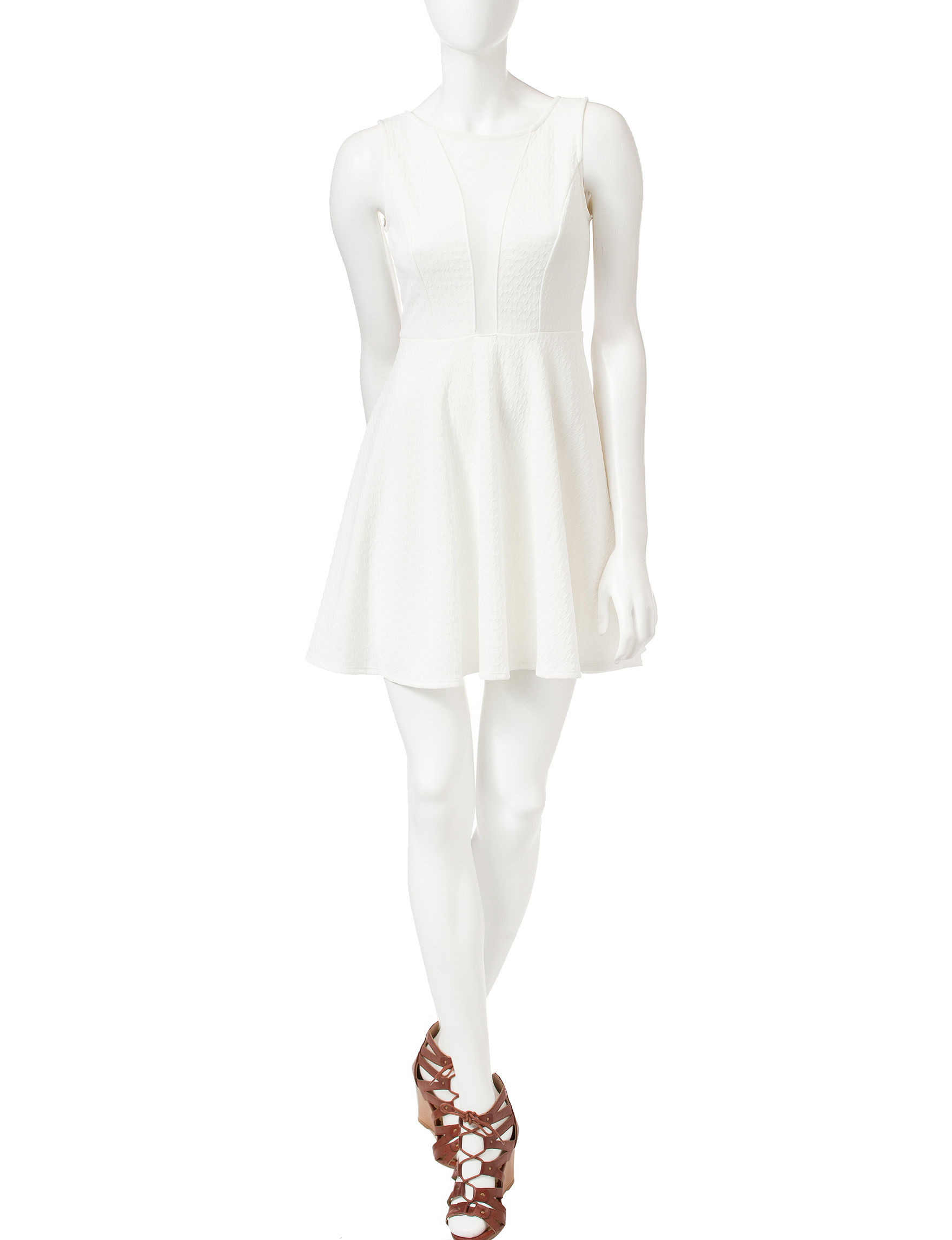 Romeo + Juliet Couture White Cocktail & Party Shift Dresses