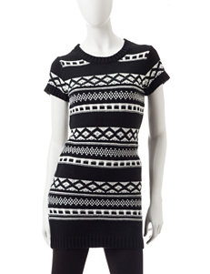 Made for Me to Look Amazing Black / White Tunics
