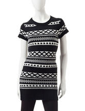 Made For Me To Look Amazing Black & White Aztec Print Tunic Top