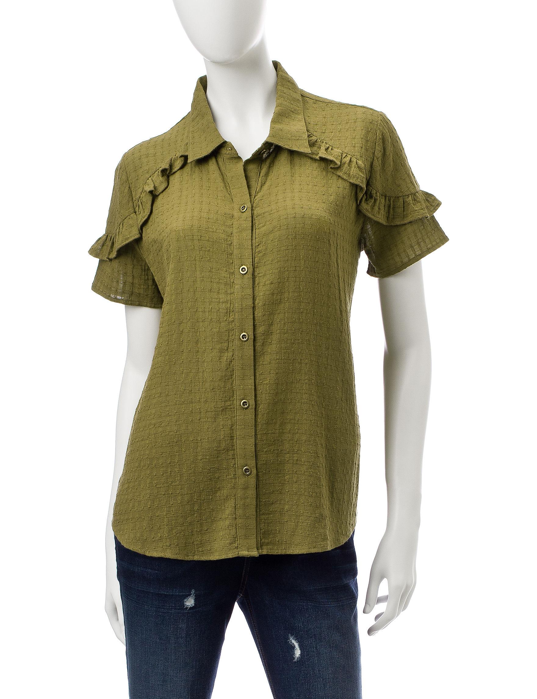 Signature Studio Green Shirts & Blouses