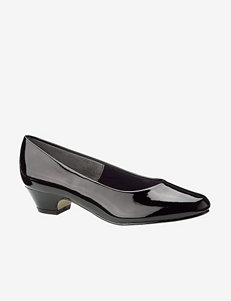 Soft Style Angel II Patent Pump – Ladies