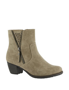 Easy Street Rylan Ankle Boots
