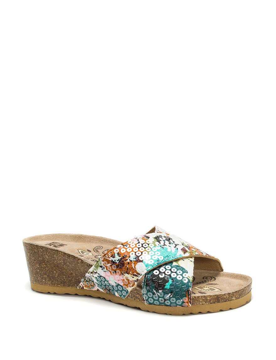 Muk Luks Green Wedge Sandals