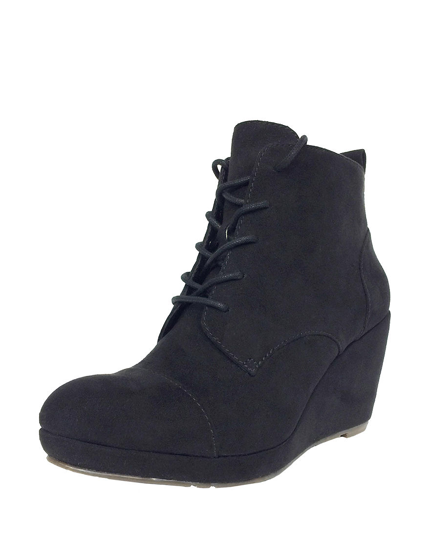 Groove Footwear Black Ankle Boots & Booties