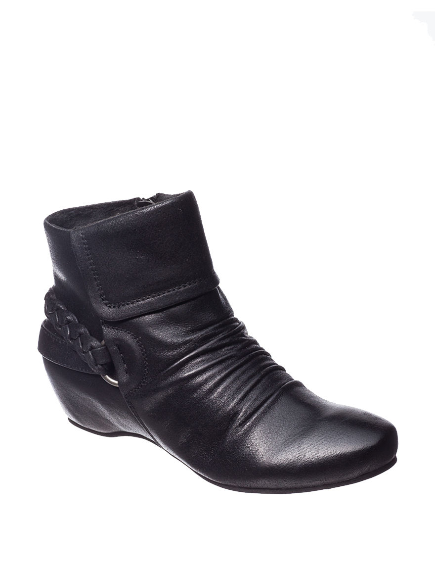 Bare Traps Black Ankle Boots & Booties Wedge Boots