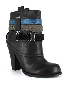 Dolce by Mojo Moxy Black Ankle Boots & Booties