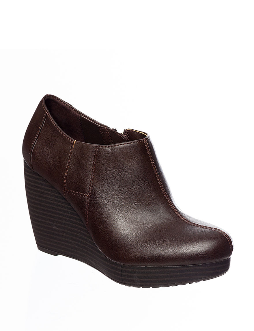 dr scholl s headline wedge booties stage stores