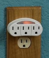 3-Outlet Night-Light Tap