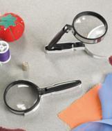 Self-Standing Magnifier