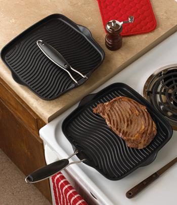 Grill Pan with Folding Handle
