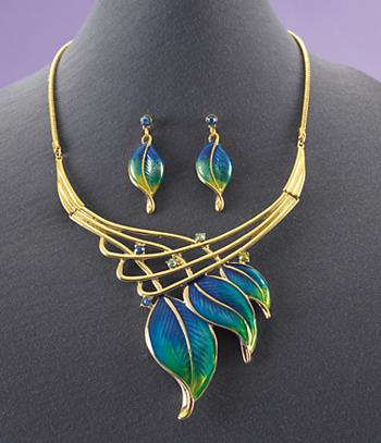 Leaf Collar Necklace