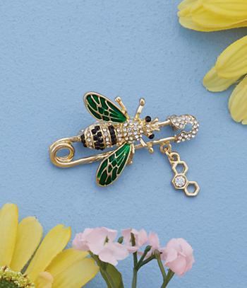 Bee on Goldtone Safety Pin Brooch