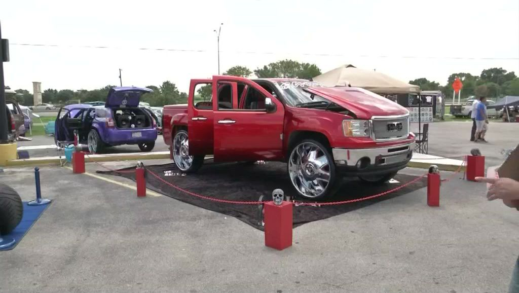 Texas Lowrider Enthusiasts Gather In San Antonio For Th Annual Car - Car show in san antonio tx