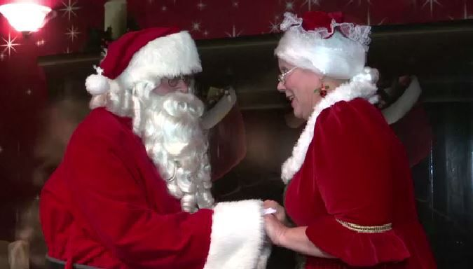 Santa, Mrs. Claus Spend Month Before Christmas in Capital Region Aboard 'Santa's Magical Express'