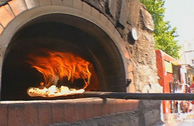 Toss N' Fire Mobile Wood-Fired Pizza Heats Up Auburn's Food Truck Rodeo