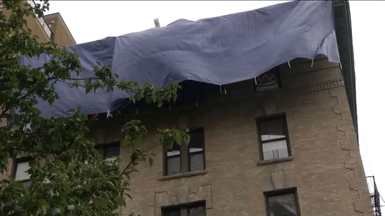 Confederate flags in Manhattan apartment window are taken down