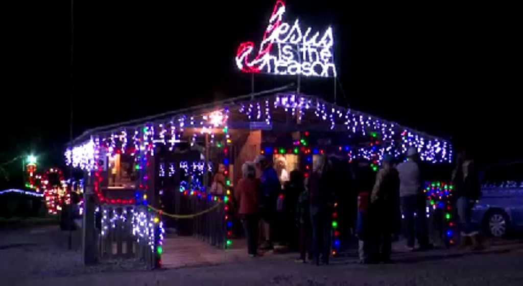 annual tradition in denton puts christ back in christmas - Christmas Train Denton Nc