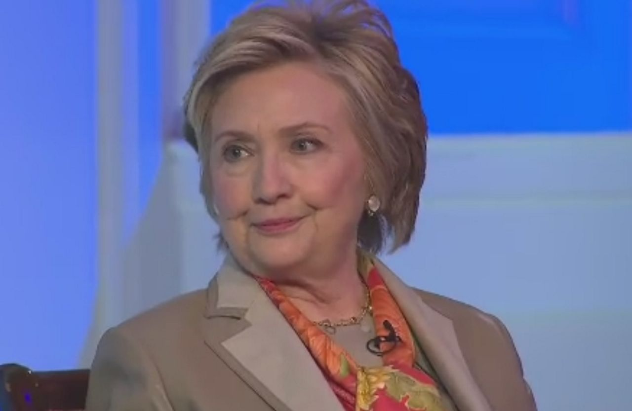Hillary Clinton Culpa al FBI ya Rusia por su Derrota Ante Trump